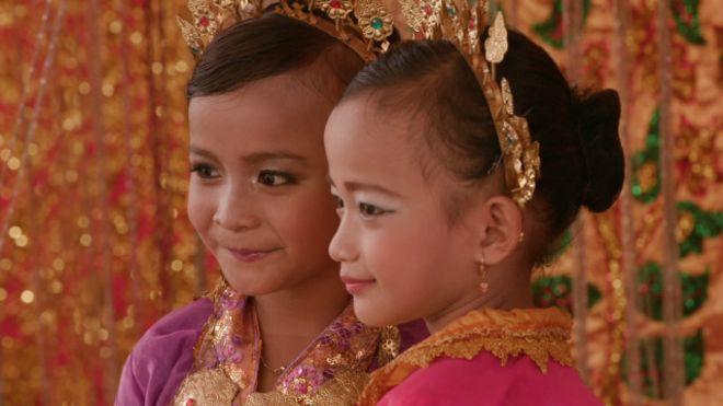Sunat Perempuan Di Indonesia Tradisi Atau Ajaran Agama Bbc News