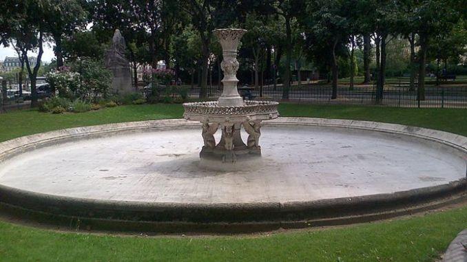 Plaza de Salvador Allende en París