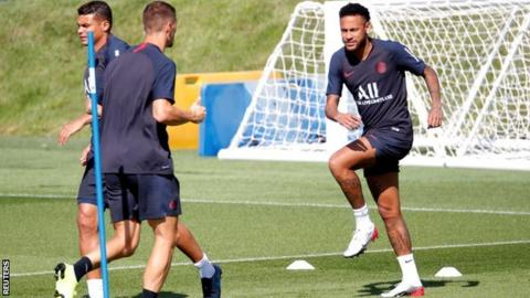 Neymar in training with Paris St-Germain