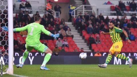 Matt Phillips scores for West Brom