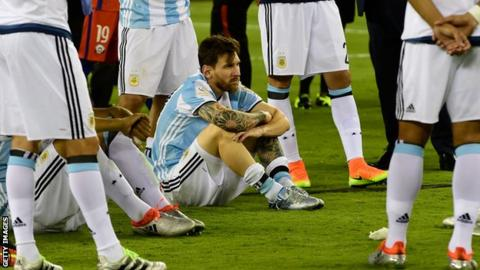 Messi looks distraught