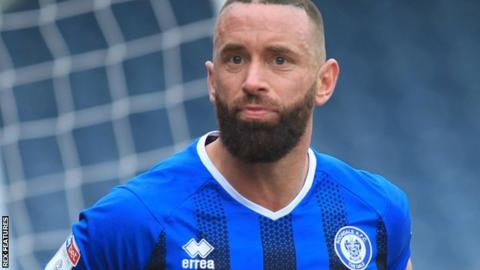 40 Year Old Substitute Earns Rochdale Draw With Newcastle United