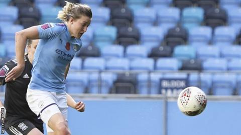 Ellen White scores her first goal for Manchester City