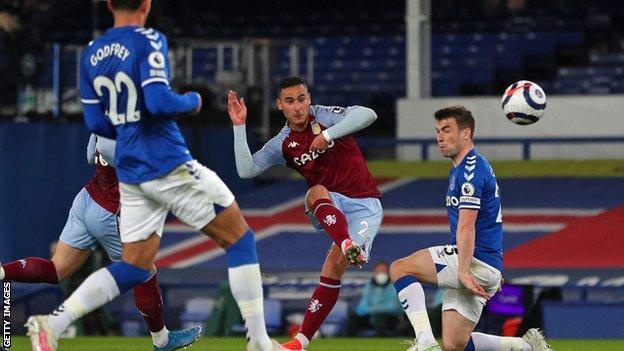 El Ghazi strikes late against Everton