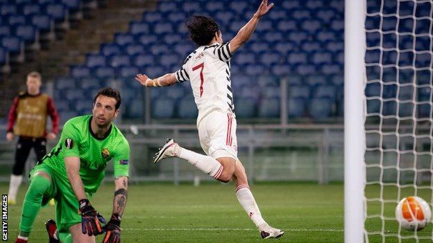 Edinson Cavani celebrates scoring for Manchester United against Roma in the Europa League semi-final