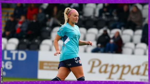 Rachel Newborough playing for Charlton