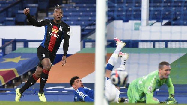 Michy Batshuayi scores Palace's late equaliser