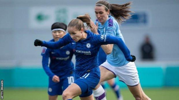 Chelsea's Guro Reiten and Manchester City's Jill Scott in action last season