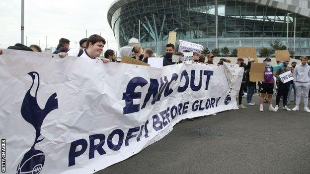 Tottenham fans protest against the club's owners