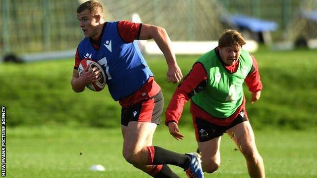 Shane Lewis-Hughes in training with Wales back-rower James Davies