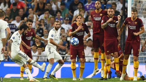 Isco scores a free-kick for Real Madrid