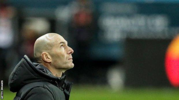 Zinedine Zidane looks on during Real Madrid's Copa del Rey defeat
