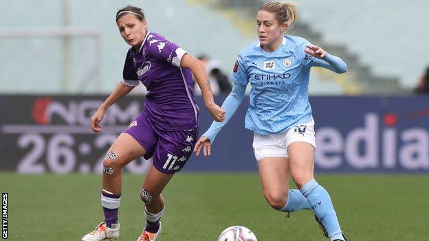 Abby Dahlkemper against Fiorentina in the last 16 of the Champions League