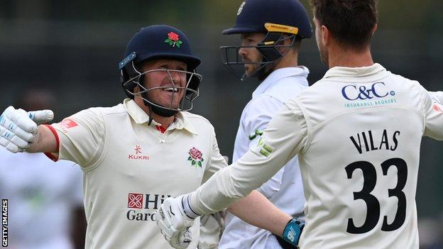 , Dramatic last-wicket Lancashire win ends Hampshire title hopes, The Evepost BBC News