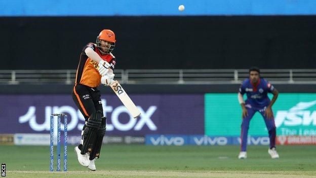 David Warner playing for Sunrisers Hyderabad against Delhi Capitals