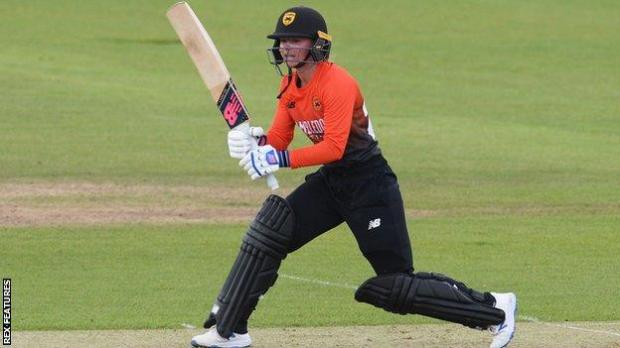 Danni Wyatt's 53 came off 57 balls for Southern Vipers.