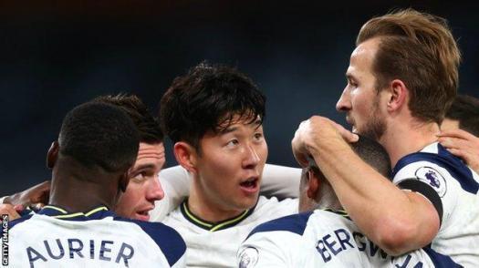 Harry Kane celebrates with his Tottenham team-mates