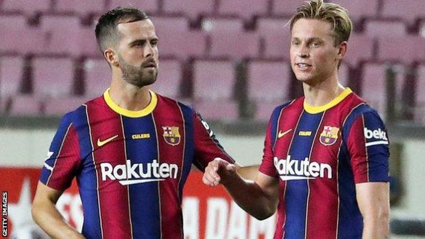 Miralem Pjanic with Frenkie de Jong