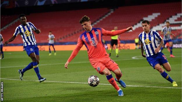 Chelsea's Mason Mount in action against Porto in the Champions League