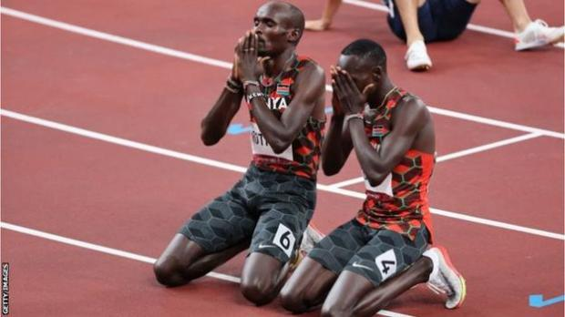 Kenyans Emmanuel Korir (right) and Ferguson Rotich celebrate finishing first and second in the men's 800m final at the Tokyo Olmypics