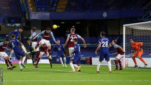 Thiago Silva scores for Chelsea against West Ham