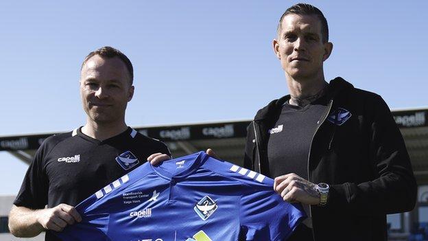 Daniel Agger (R) and Lars Jacobsen