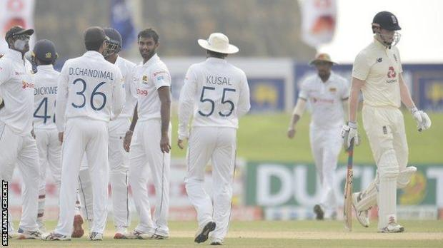 Sri Lanka celebrate Zak Crawley wicket