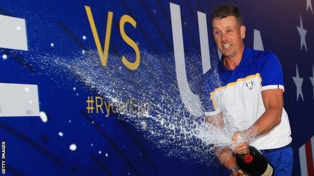 Henrik Stenson celebrates Ryder Cup victory