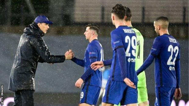 Chelsea boss Thomas Tuchel congratulates his players after their draw at Real Madrid