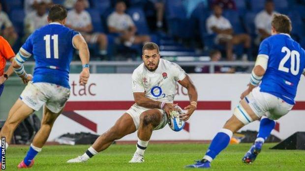 Ollie Lawrence playing against Italy