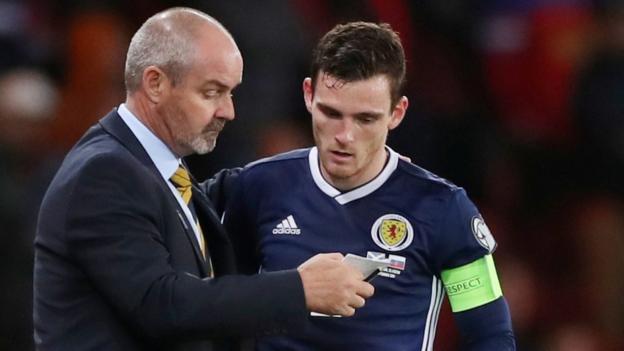 108664554 steveclarkeandyrobertsonreuters - Scotland v Belgium: Steve Clarke says no issue with mental strength