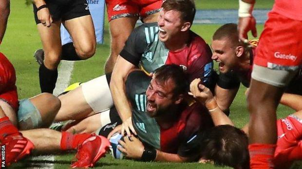 Harlequins score a try