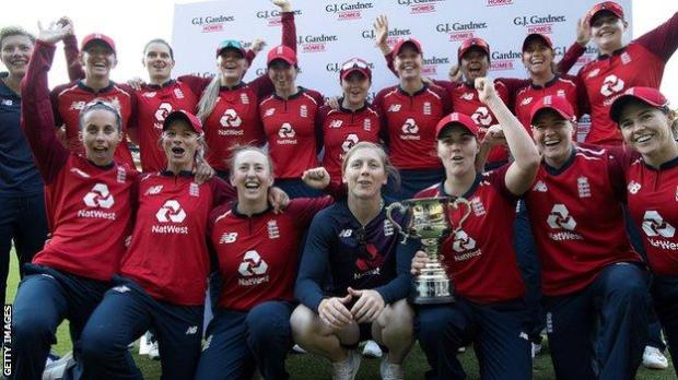 England women celebrate their series win against New Zealand