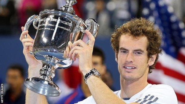 Andy Murray lifts the US Open trophy in 2012