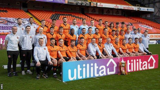 Dundee United players and staff
