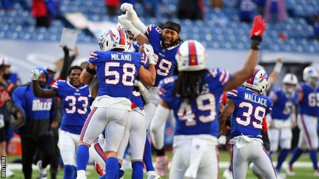 Buffalo Bills celebrate after playoff victory over Indianapolis Colts