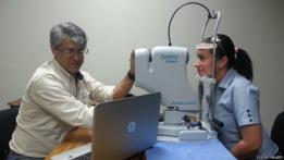 Una vez recopilados los datos de forma sencilla, se volcarían a una web para que un oftalmólogo los evalúe.