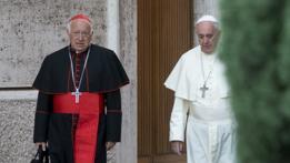 El papa Francisco y el cardenal chileno Ricardo Ezzati en el Vaticano