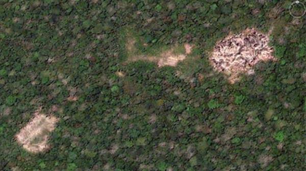 A satellite image of a remote village (Google/Rob Walker) (Credit: Google/Rob Walker)