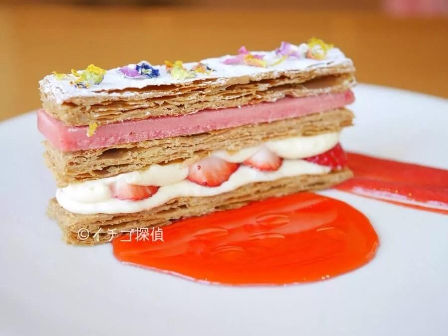 イチゴ探偵|軽井沢ホテルブレストンコートで「苺のミルフイユ」を堪能!甘酸っぱい苺&レモンクリームにサクサクパイ!