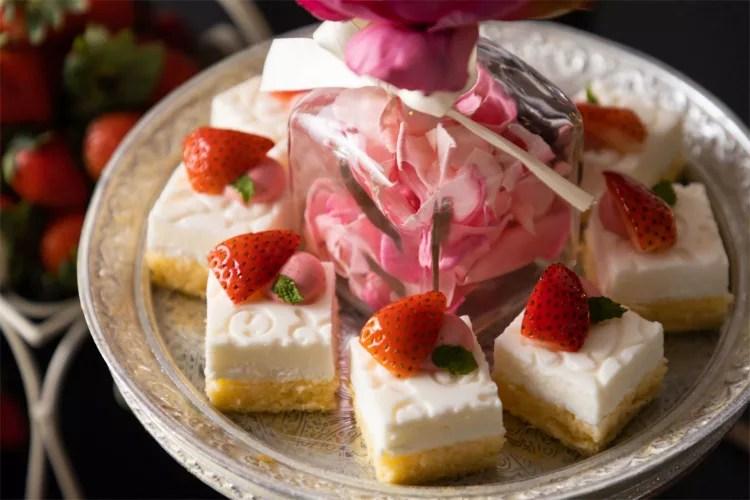【コンラッド大阪】いちごビュッフェ「Strawberry in Paris パリに恋して」ストロベリーとパリのスイーツ!