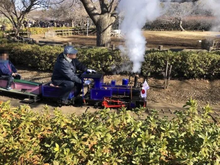 市川動植物園ミニSLの蒸気機関車