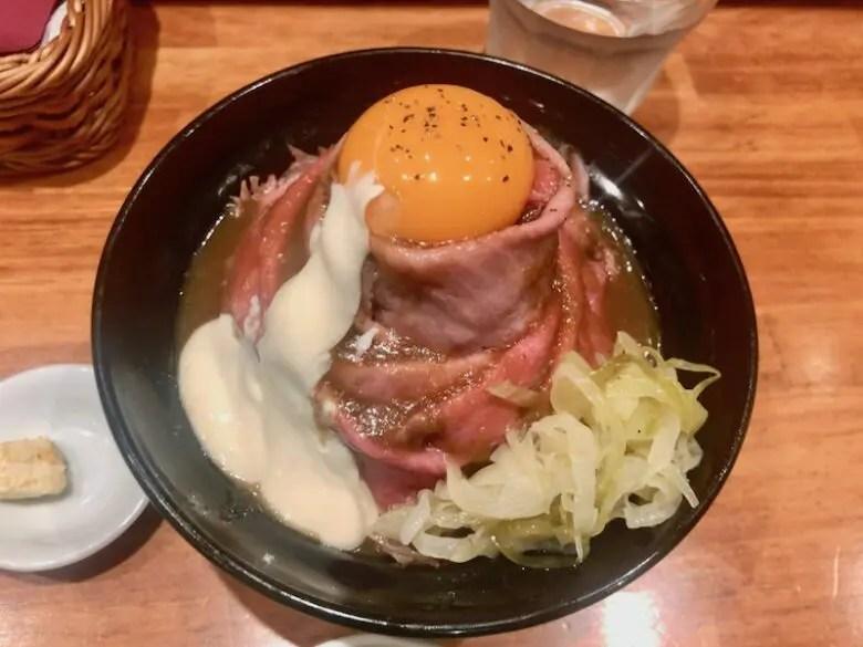 洋食大野亭のローストビーフ丼