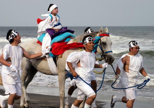 2012年観光協会長賞「渚を駆ける」