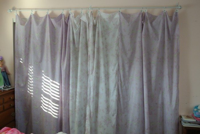 closet curtain 026
