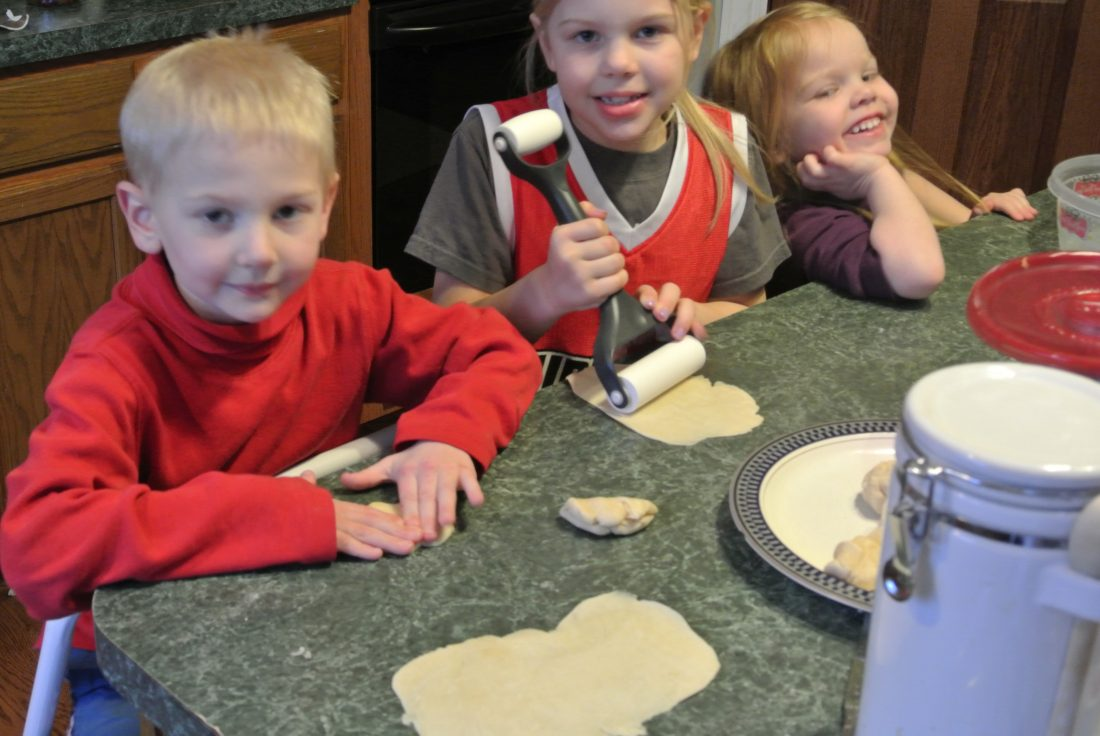 From House to Home {Link Party}:  Homemade Tortillas