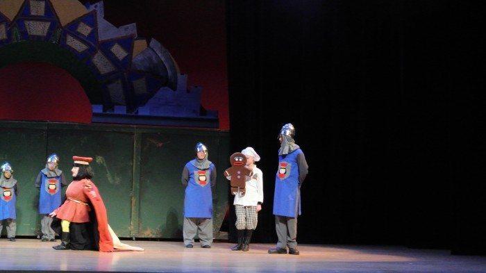 Shrek the Musical 043