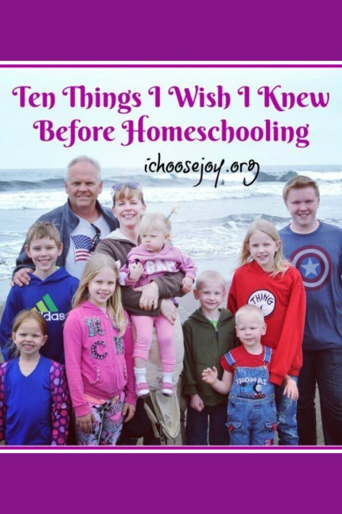 What would you like to learn from a veteran homeschool mom of 8 kids? Here are 10 Things Gena Mayo wished she knew before homeschooling. #homeschool #homeschoolmom #ichoosejoyblog #homeschoolencouragement