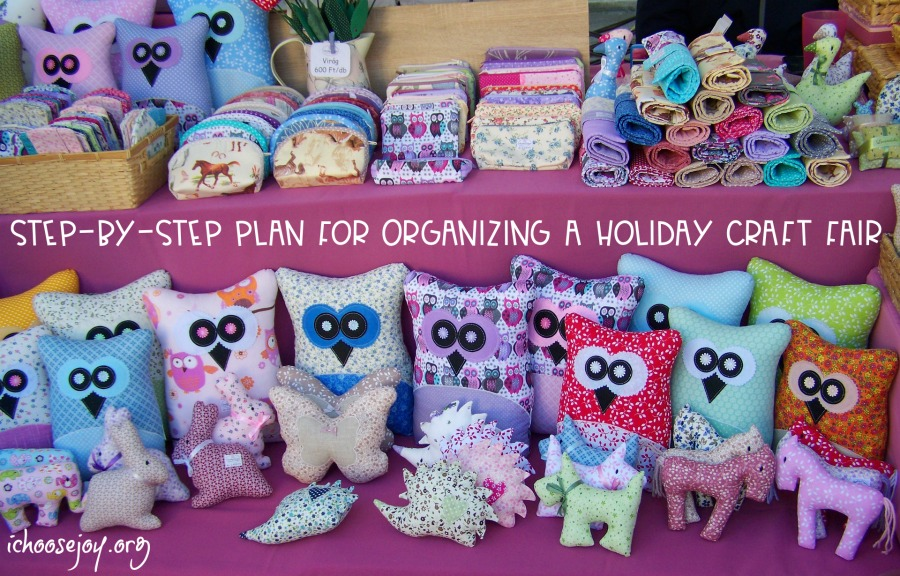 Step-By-Step Plan for Organizing a Holiday Craft Fair  (with a $500 Cash Giveaway!)