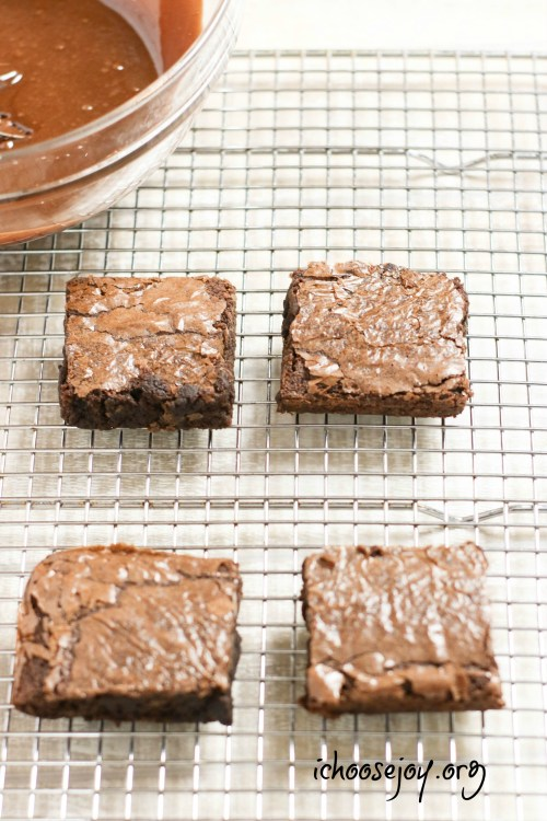 Graduation Brownie Recipe for your graduation party or graduation open house celebration. Post also includes a graduation open house and party planning guide. #graduation #homeschool #homeschoolhighschool #graduationparty #brownies